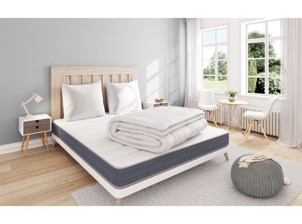 Pack Matelas FIRST 140 cm + Couette + 2 Oreillers WELL